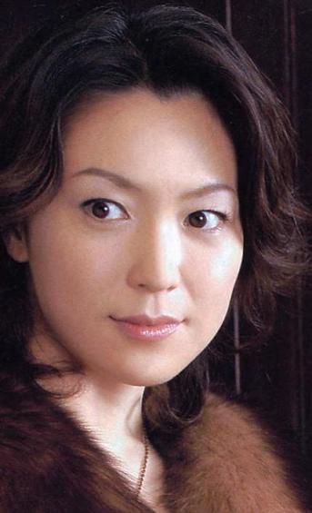 ステキな横顔の若村麻由美