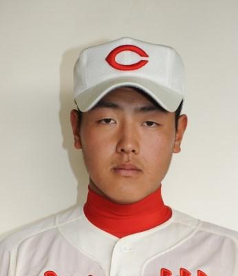 岡本 岡本選手はスゴイ高校通算ホームラン記録を持っています。 なんと高校通算... 岡本和真のw